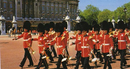 Guards - Buckingham Palace - London
